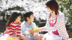 「怒らない」「キツイ言葉を出さない」で、子供たちがイキイキした家庭へ【幸福の科学 信仰体験】