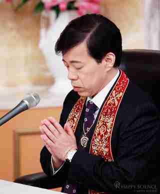 霊言の収録を行う大川総裁